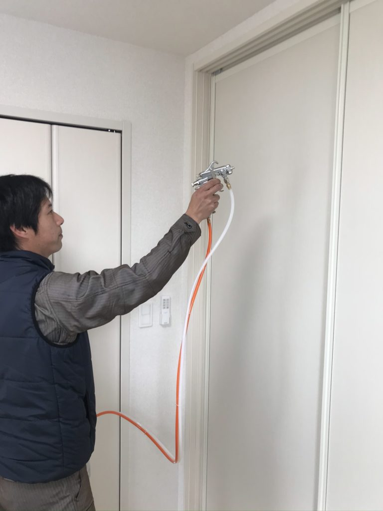 光触媒エコクリーン吹き付け・室内ドア