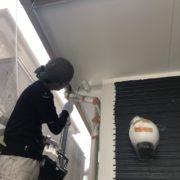 福岡市東区 軒天塗装 外壁下塗り
