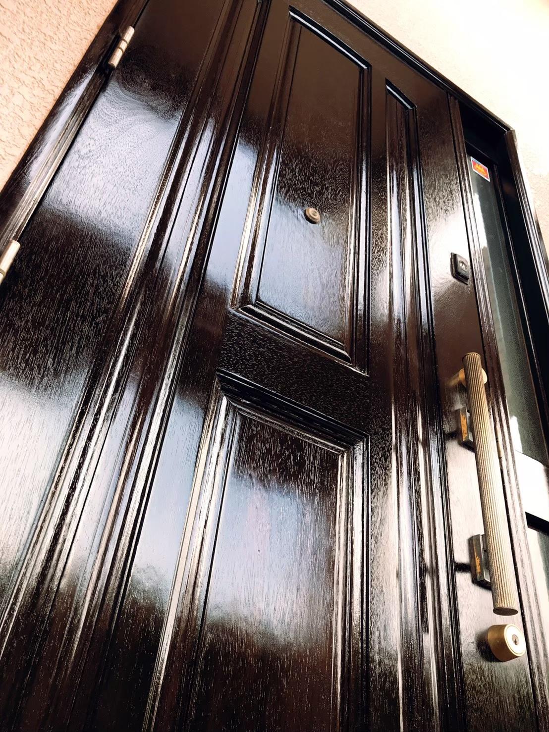 玄関ドア塗装 完了 写真2