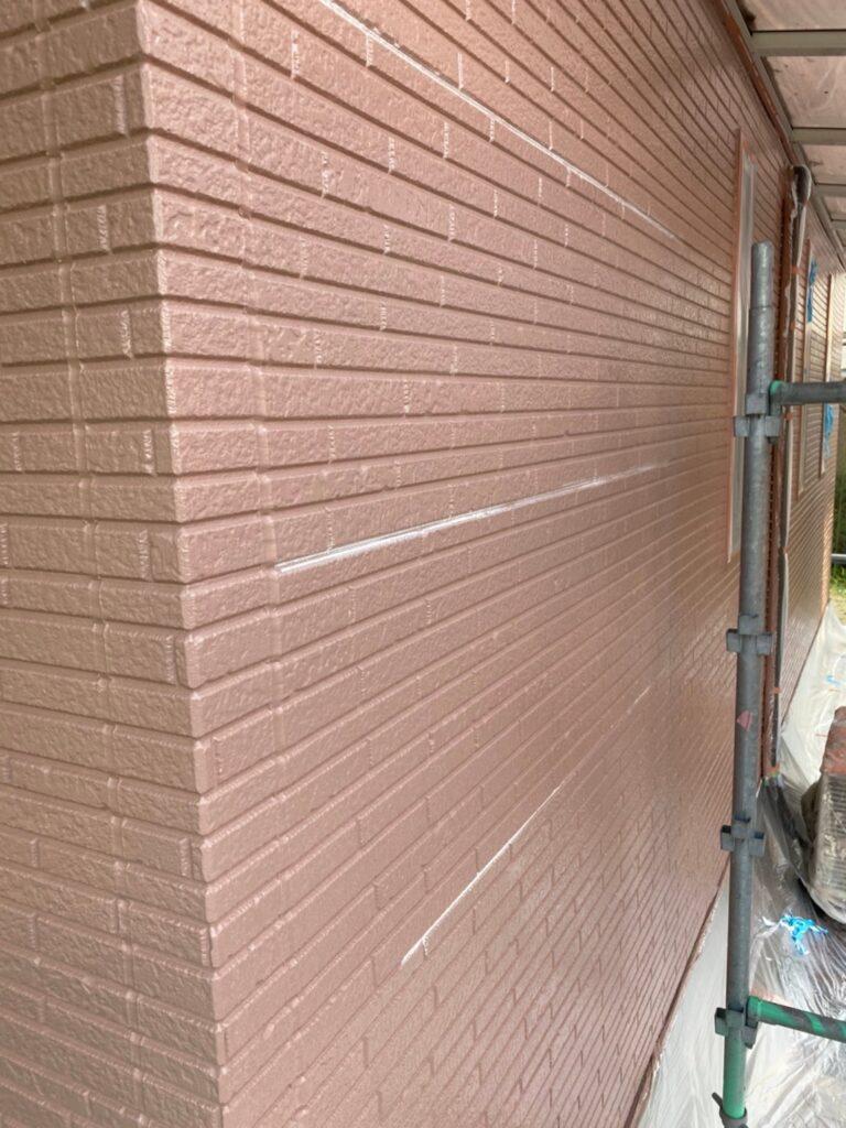 久留米市 サイディング隙間埋めと外壁の中塗り・上塗り 写真10