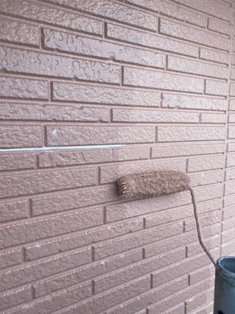 久留米市 サイディング隙間埋めと外壁の中塗り・上塗り 写真12
