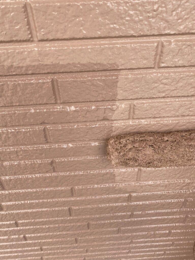 久留米市 サイディング隙間埋めと外壁の中塗り・上塗り 写真13