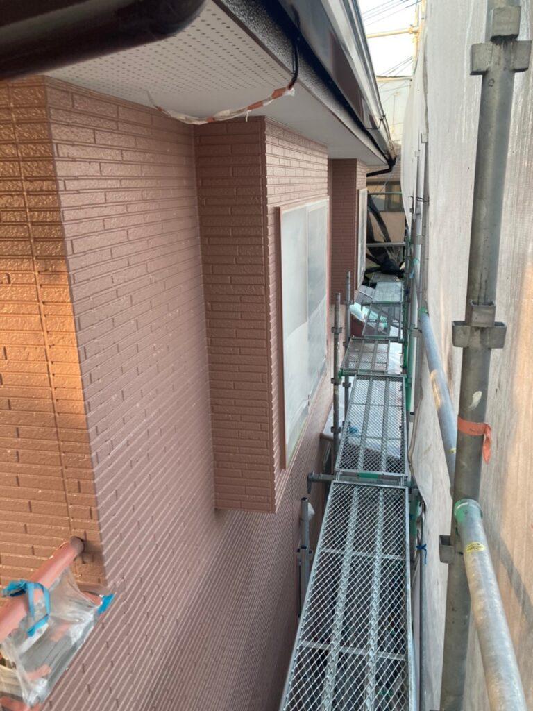 久留米市 サイディング隙間埋めと外壁の中塗り・上塗り 写真15