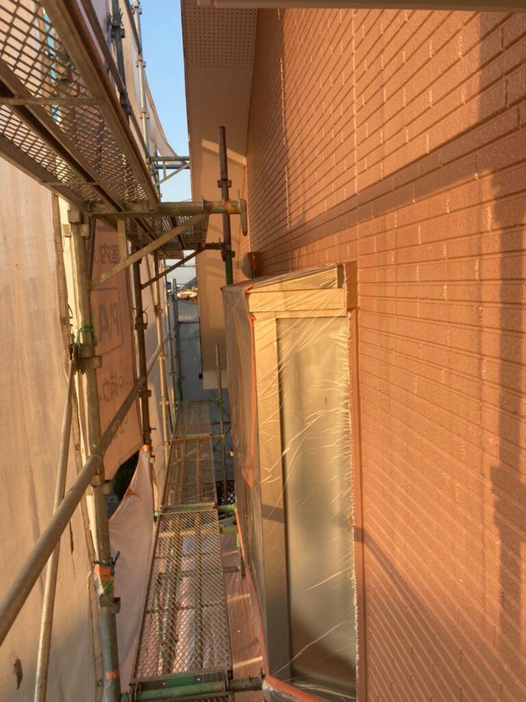 久留米市 サイディング隙間埋めと外壁の中塗り・上塗り 写真16