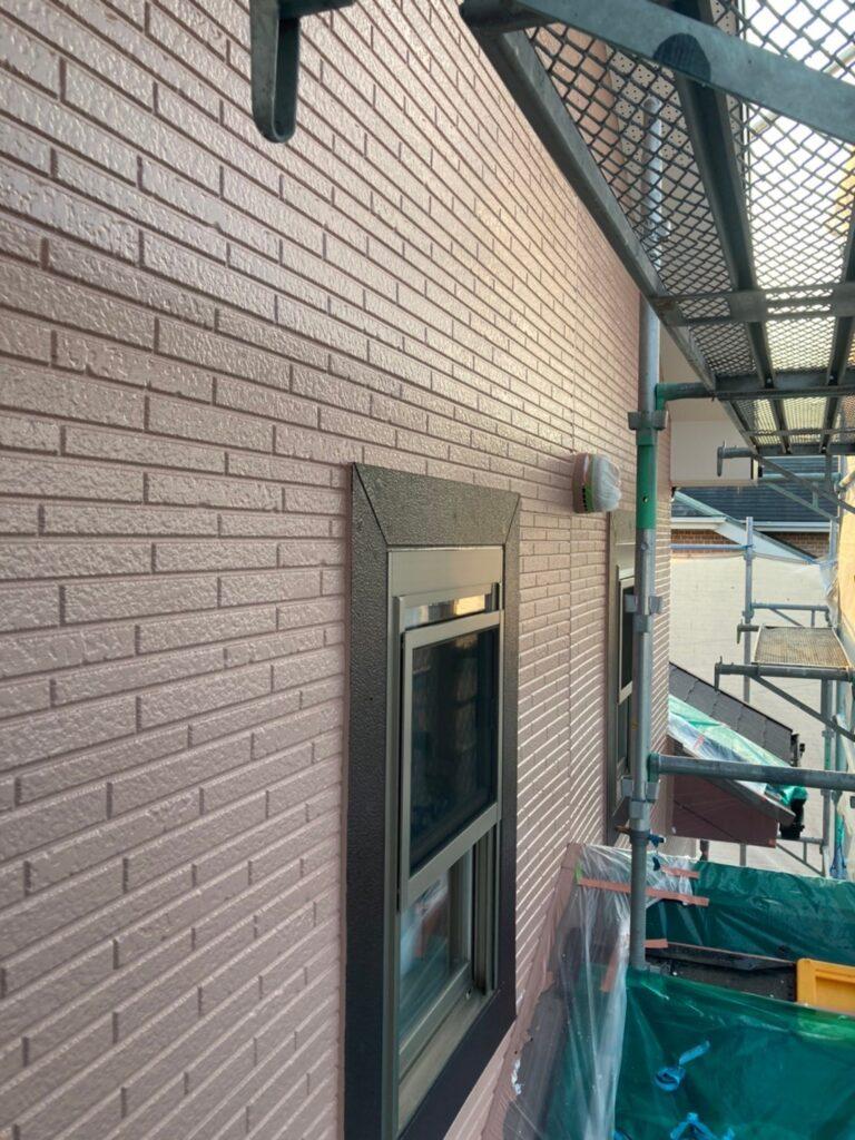 久留米市 サイディング隙間埋めと外壁の中塗り・上塗り 写真17