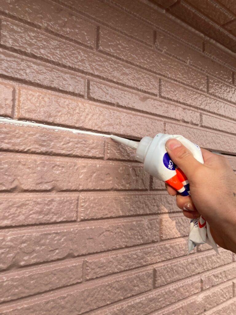 久留米市 サイディング隙間埋めと外壁の中塗り・上塗り 写真7