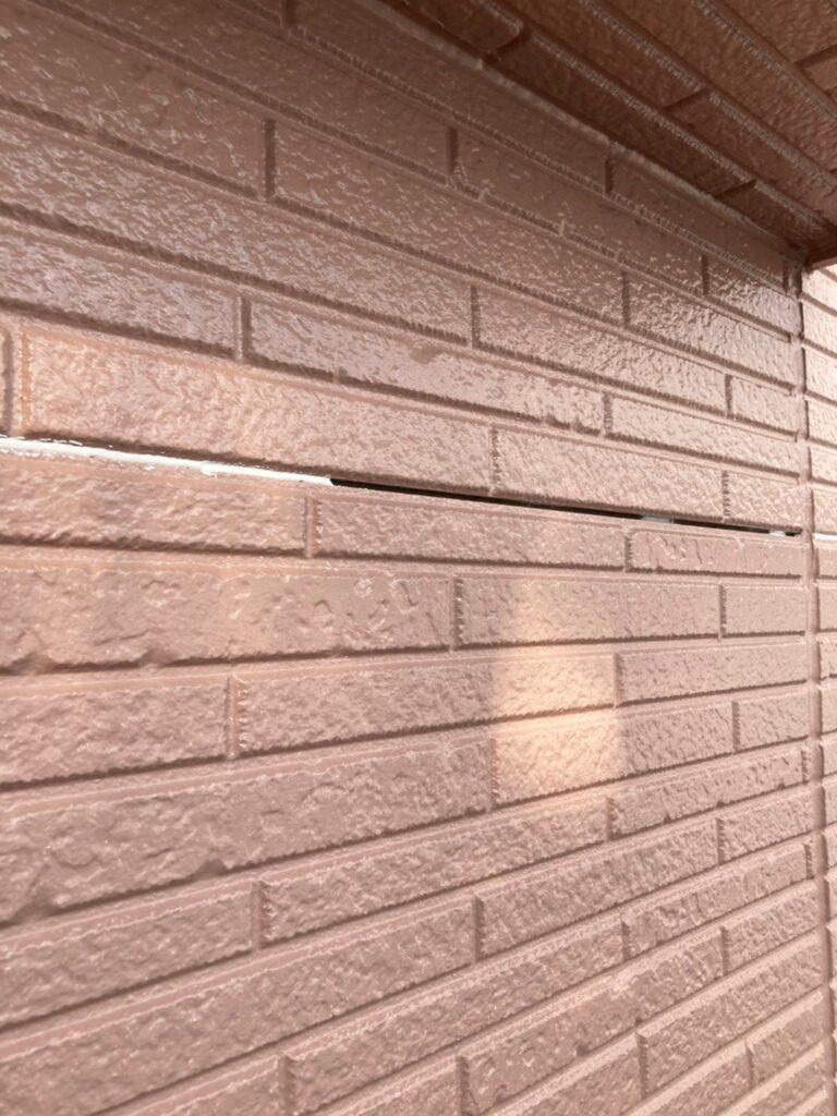 久留米市 サイディング隙間埋めと外壁の中塗り・上塗り 写真8
