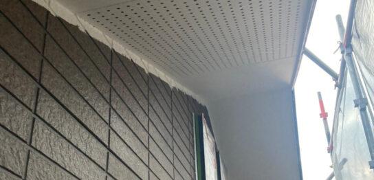 佐賀市の各所養生と軒天塗装