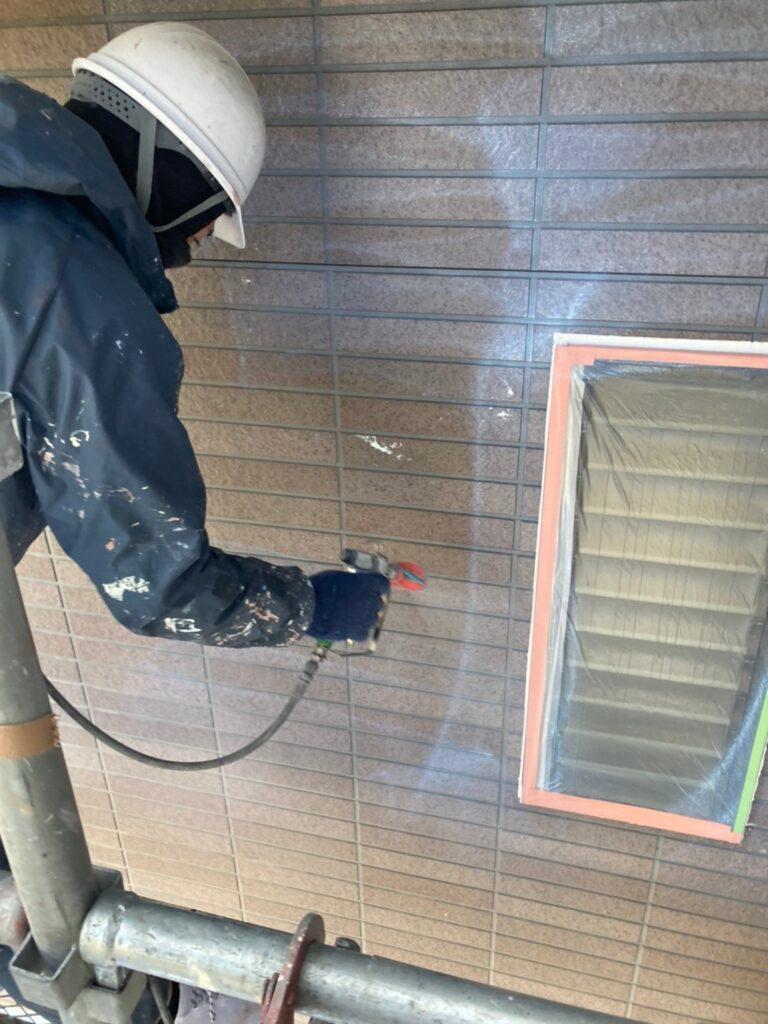 佐賀市 外壁の下塗りと中塗り 写真4
