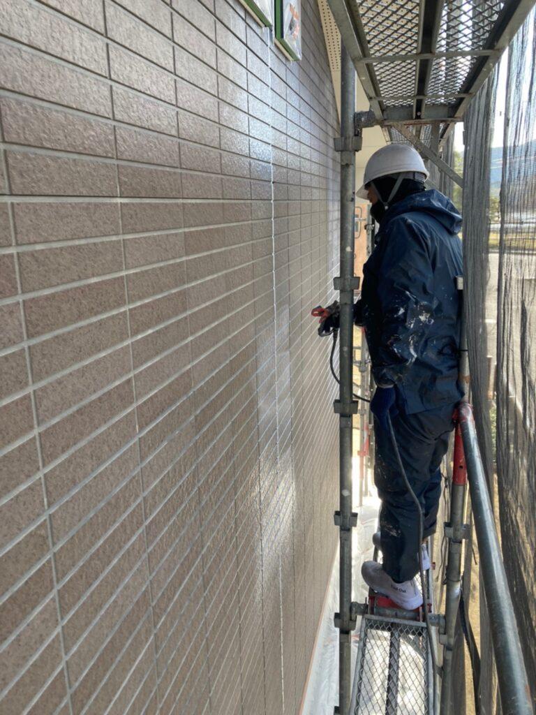 佐賀市 外壁の下塗りと中塗り 写真5