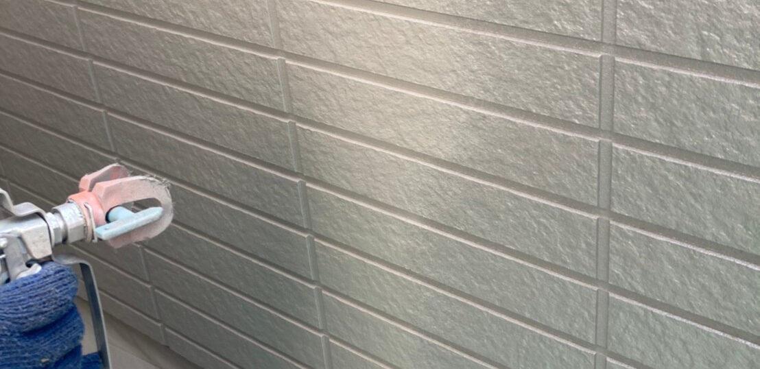 佐賀市の外壁上塗りと屋根下塗り
