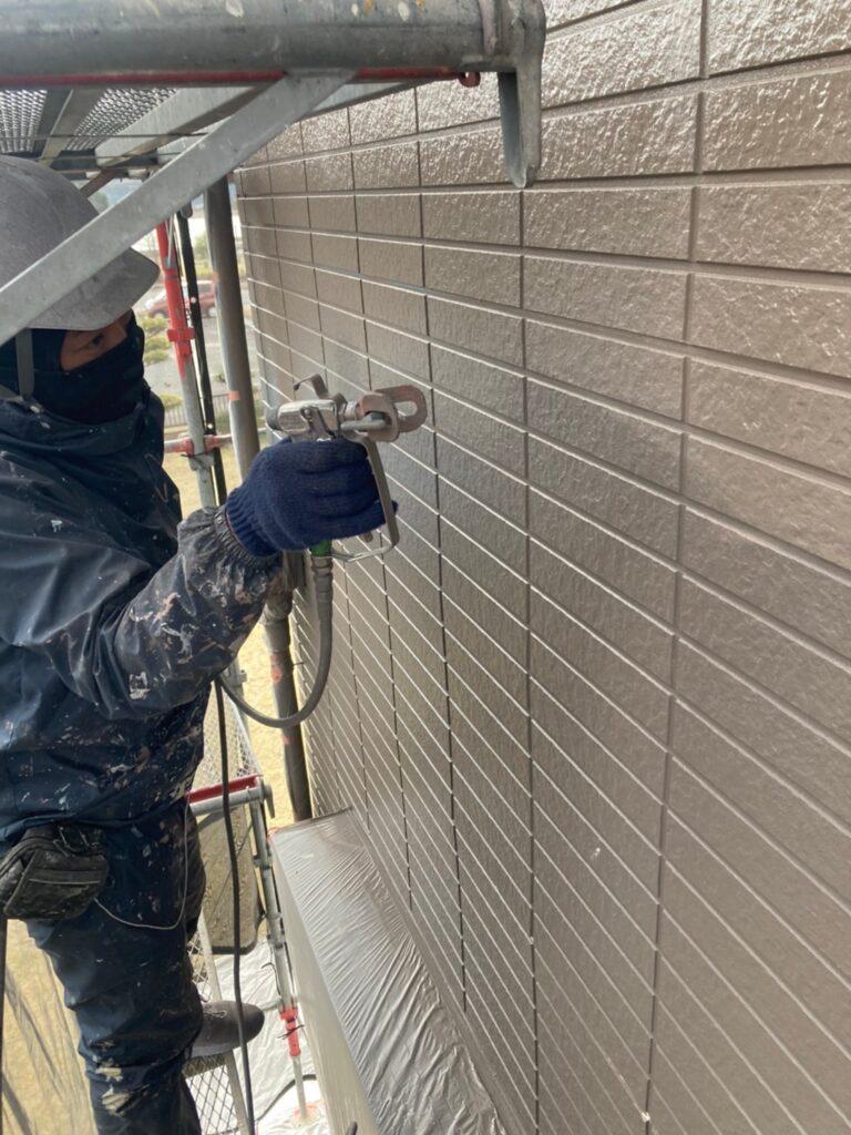 佐賀市 外壁上塗りと屋根下塗り 写真4