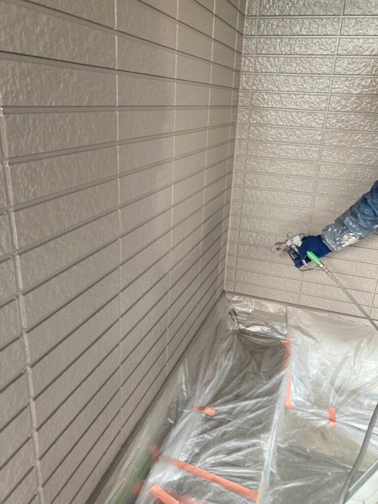 佐賀市 外壁上塗りと屋根下塗り 写真5