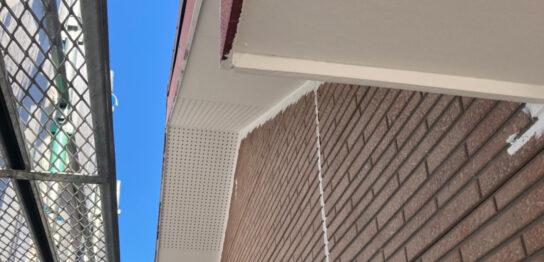 久留米市 軒天塗装と外壁下塗り