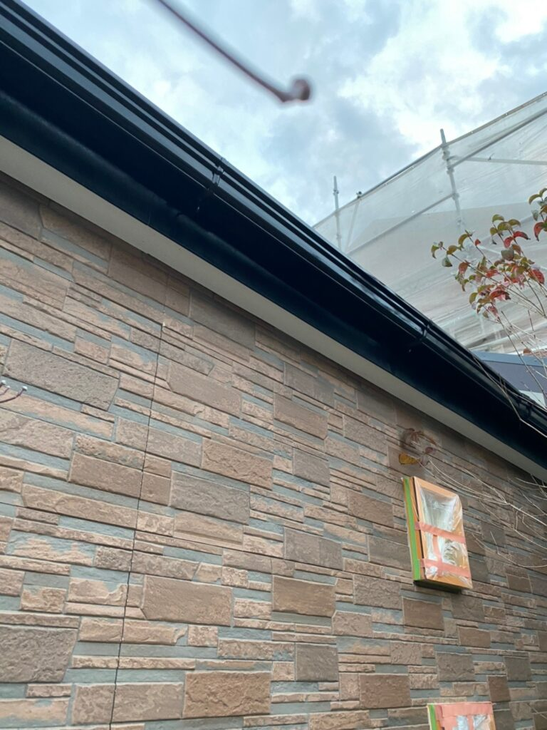 久留米市 屋根中塗りと各所付帯塗装 写真12