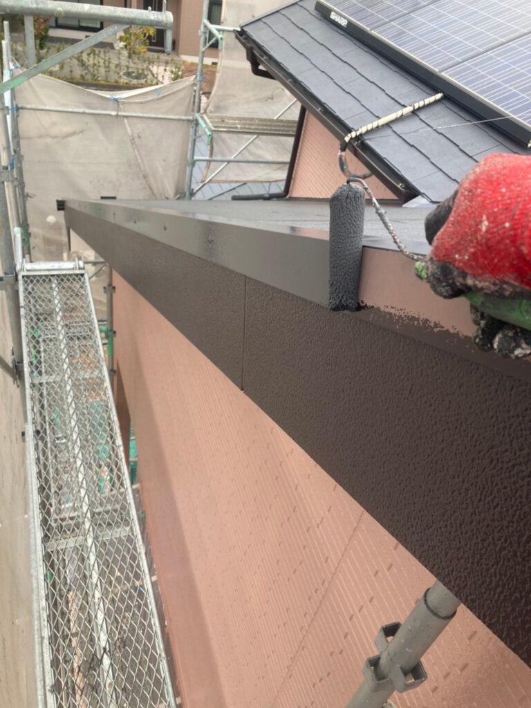 久留米市 屋根中塗りと各所付帯塗装 写真5