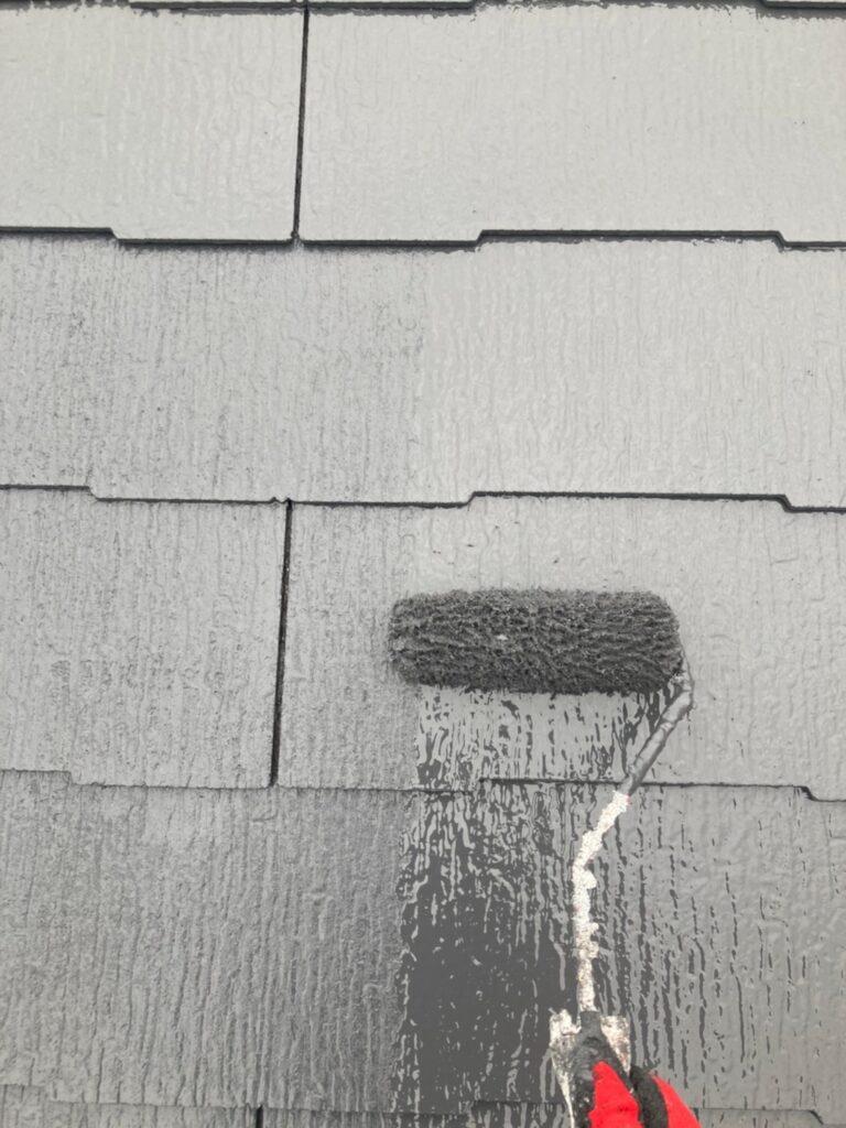久留米市 屋根上塗りと車庫外壁クリアー塗装 写真1
