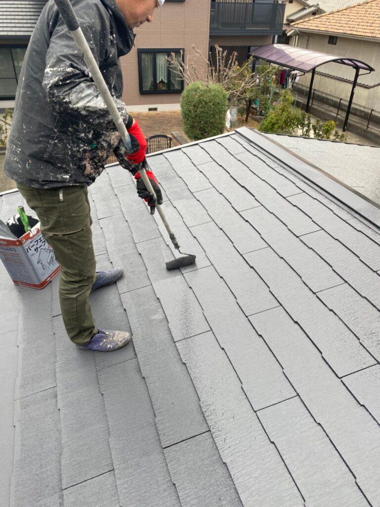 久留米市 屋根上塗りと車庫外壁クリアー塗装 写真3