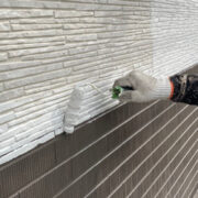 鳥栖市 外壁中塗りと軒天塗装