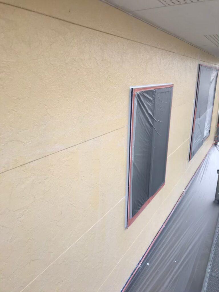 行橋市 軒天塗装と外壁下塗り 写真13