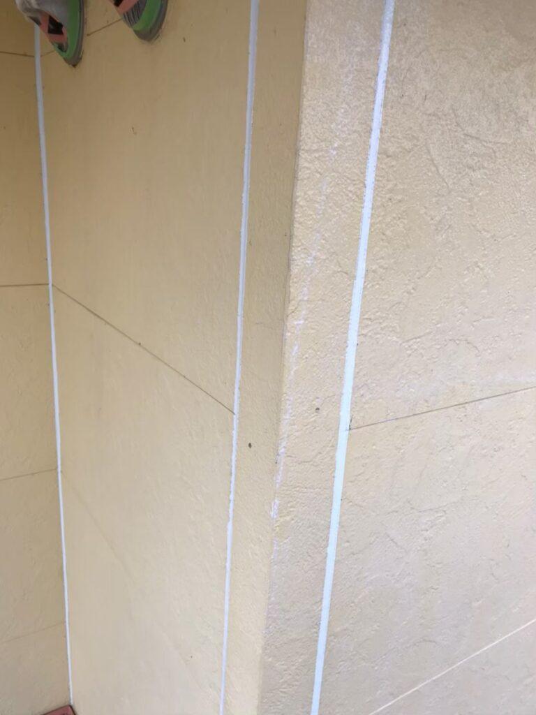 行橋市 軒天塗装と外壁下塗り 写真14