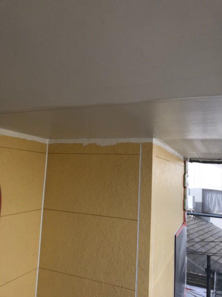 行橋市 軒天塗装と外壁下塗り 写真5