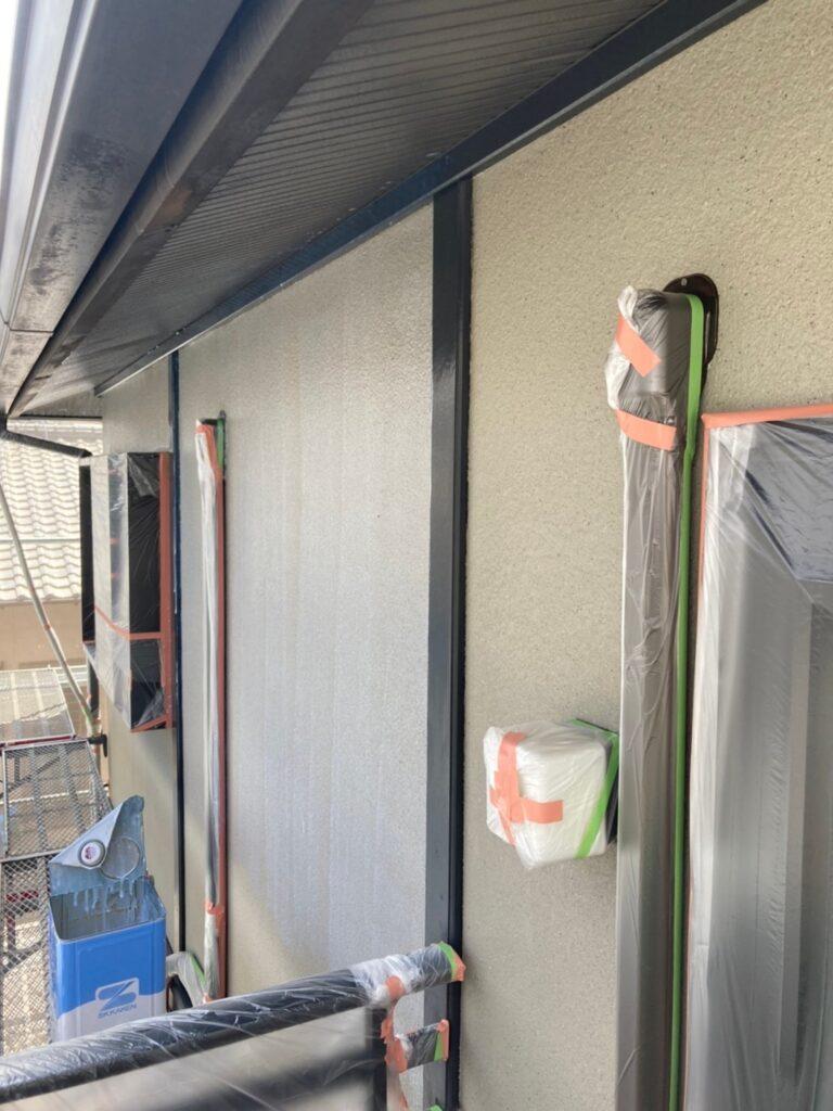 飯塚市 外壁下塗りとヒビ割れ補修 写真4