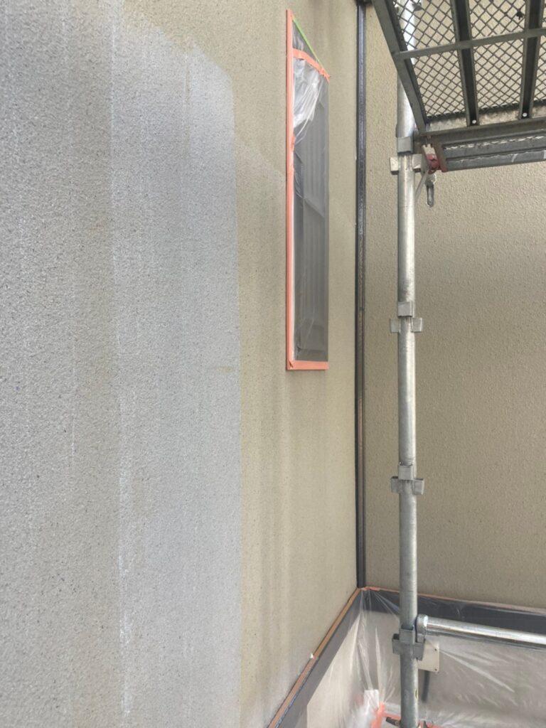 飯塚市 外壁下塗りとヒビ割れ補修 写真5