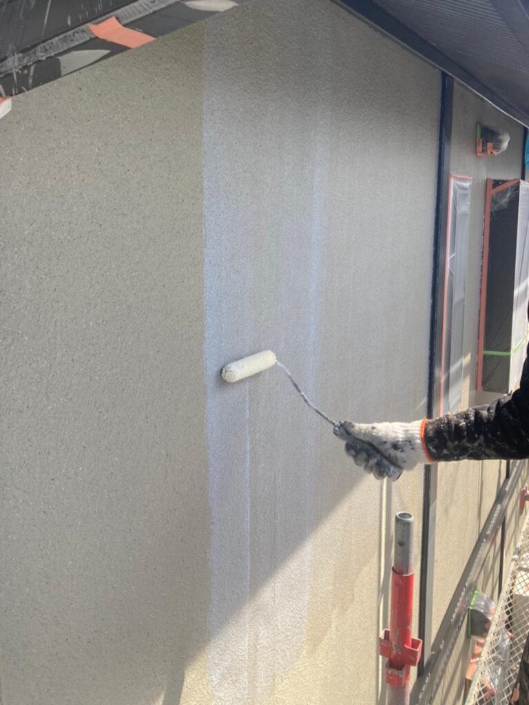 飯塚市 外壁下塗りとヒビ割れ補修 写真6