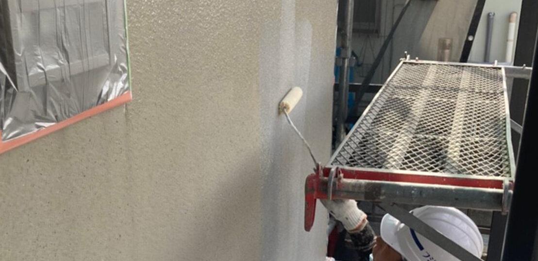 飯塚市 外壁下塗りとヒビ割れ補修