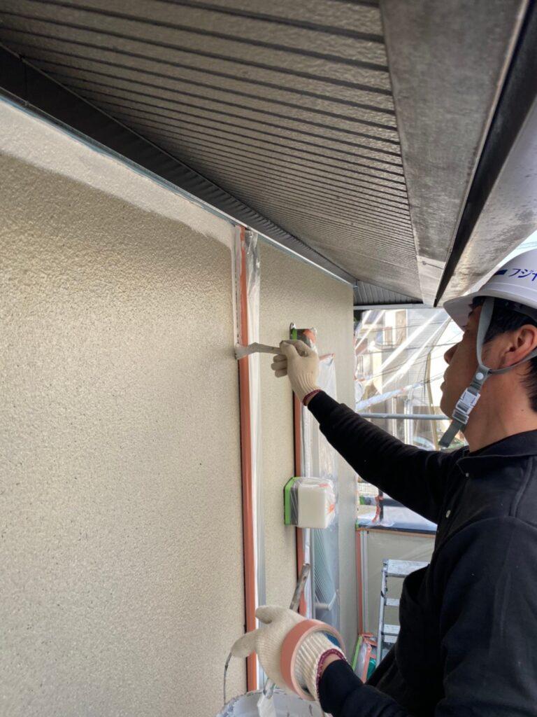 飯塚市 外壁中塗りと屋根ヒビ割れ補修 写真2