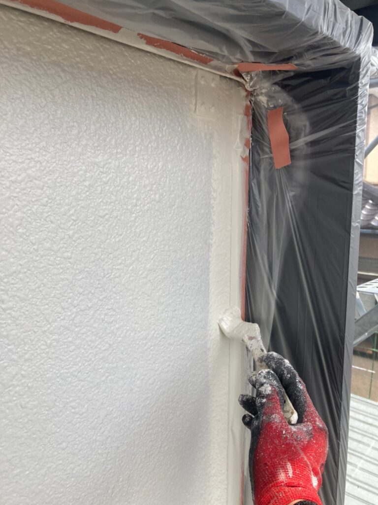 飯塚市 軒天塗装と外壁上塗り 写真12