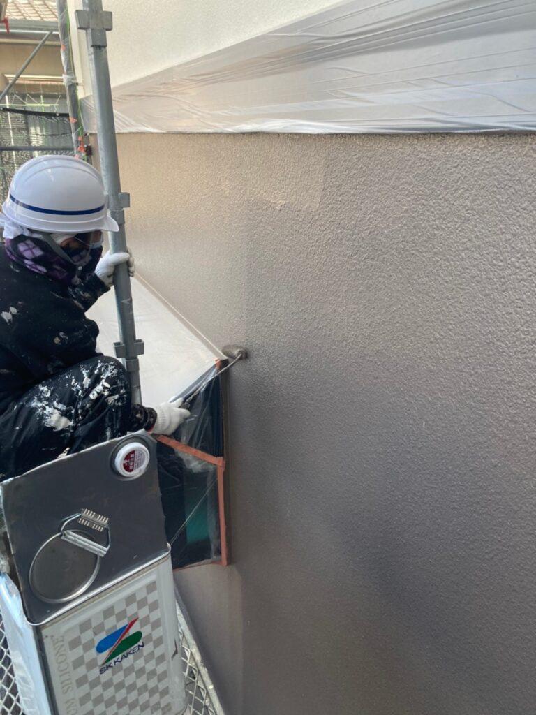 飯塚市 軒天塗装と外壁上塗り 写真17
