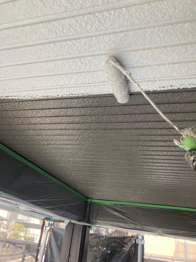 飯塚市 軒天塗装と外壁上塗り 写真4
