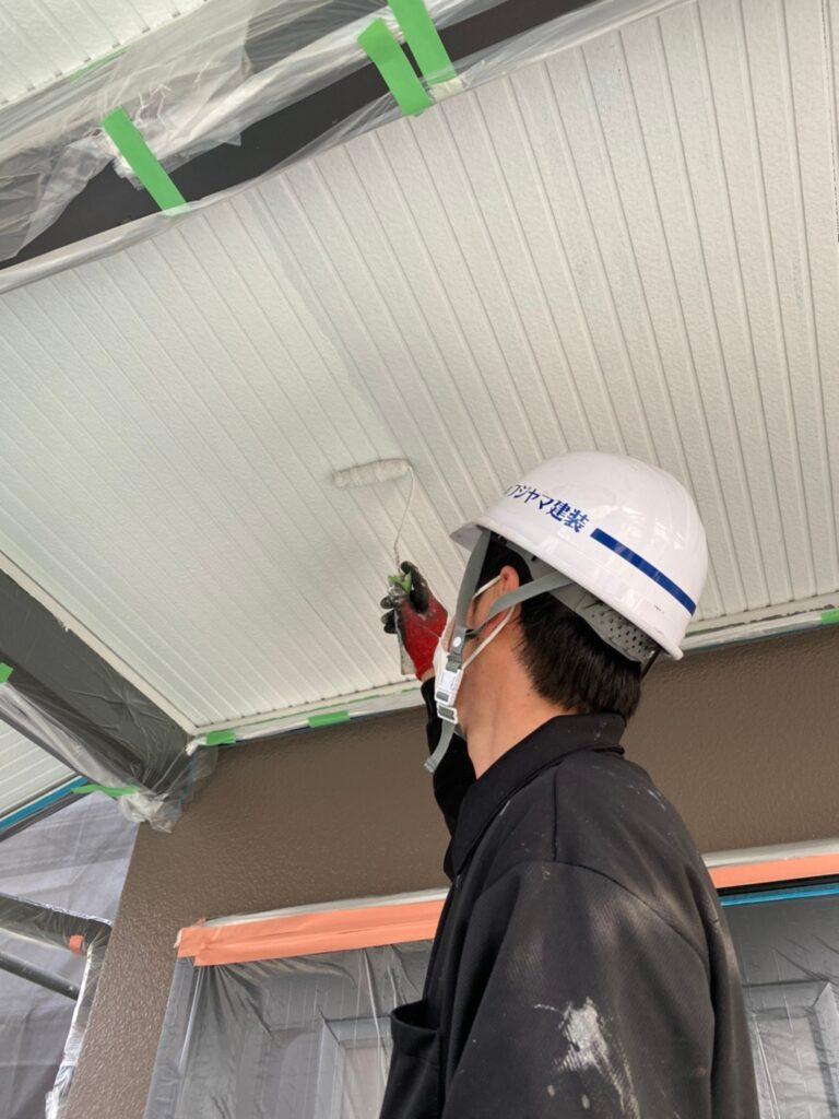 飯塚市 軒天塗装と外壁上塗り 写真6