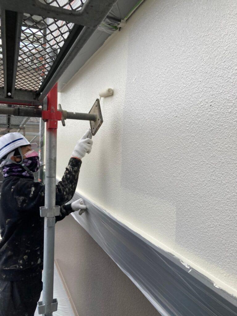 飯塚市 軒天塗装と外壁上塗り 写真9