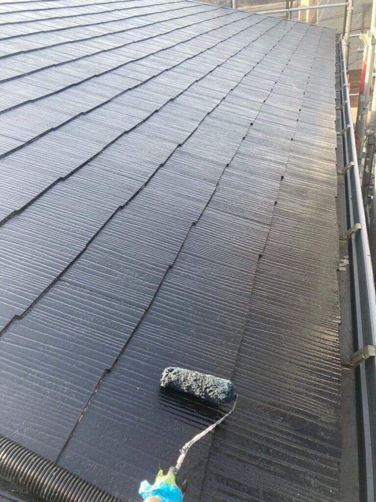 飯塚市 屋根中塗りと雨戸塗装 写真2