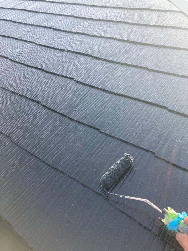 飯塚市 屋根中塗りと雨戸塗装 写真3