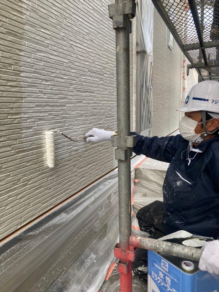 福岡市 軒天塗装と外壁下塗り 写真13