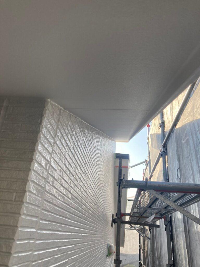 福岡市 軒天塗装と外壁下塗り 写真5