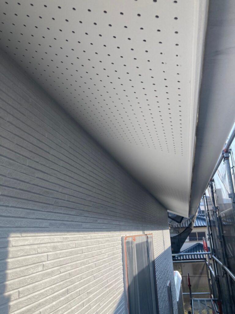 福岡市 軒天塗装と外壁下塗り 写真6