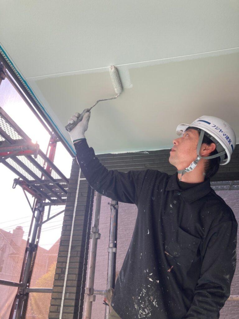 福岡市 軒天塗装と外壁下塗り 写真7