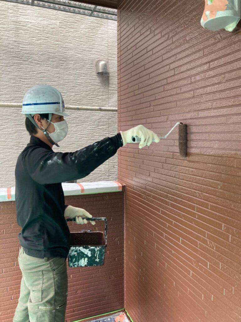 福岡市 外壁上塗りと屋根下塗り 写真3
