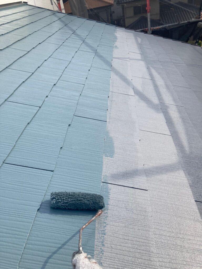 福岡市 屋根の中塗り・上塗りと付帯塗装① 写真2