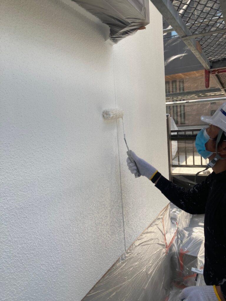 福岡市 外壁塗装 中塗り 上塗り 写真7