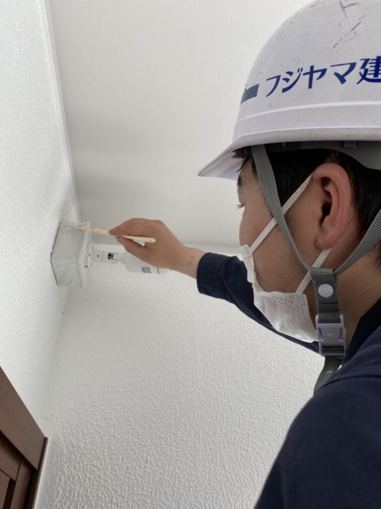福岡市 木製扉塗装 防犯カメラ取り付け など 写真13