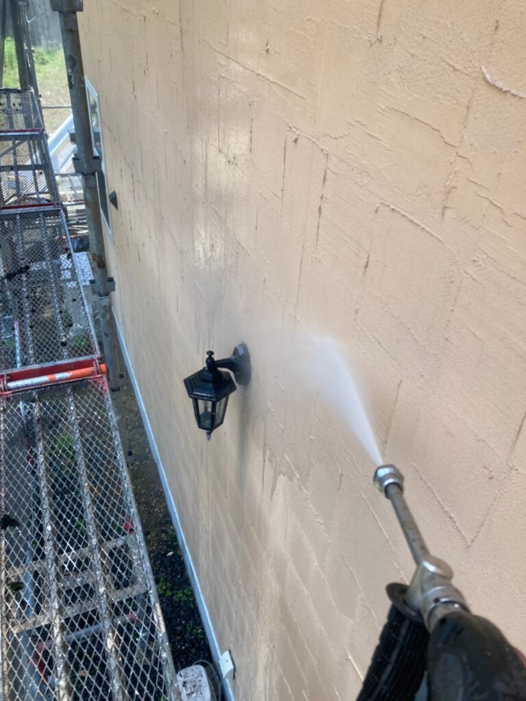 飯塚市 高圧洗浄と旧コーキング撤去 写真7