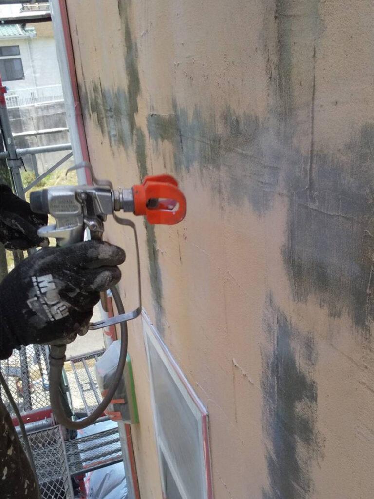 飯塚市 外壁塗装 下塗り1回目 写真3
