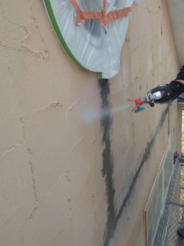 飯塚市 外壁塗装 下塗り1回目 写真5