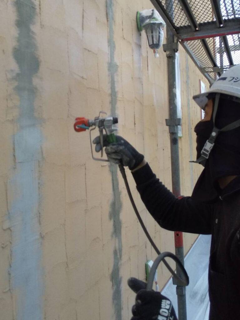 飯塚市 外壁塗装 下塗り1回目 写真7